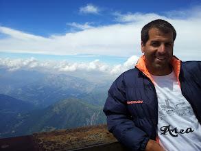 Photo: Hector Hernando Moreno desde el Aiguille du Midi en el Montblanc, Francia, a 4000m de Altitud.