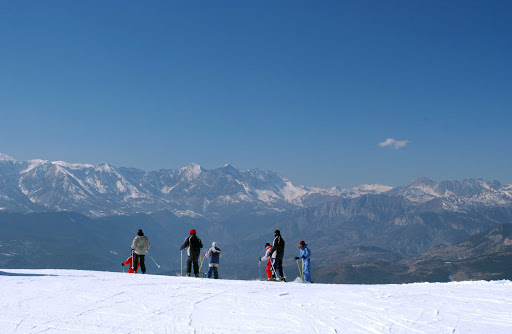 France-Mercantour-National-Park-snow.jpg - Mercantour National Park offers winter skiing and incredible views.