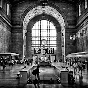 Toronto Union Station 3:23PM by Brian Carson - Black & White Buildings & Architecture ( interior, old, gothic, photograph, brian carson, arch, toronto, street, stone, travel, architecture, people, historic, city, perspective, the learning curve photography, light, structure, canada, texture, experimental, landmark, environment, window, canadian, lines, archway, www.thelearningcurve.ca, wall, famous, monochrome, black and white, brick, indoors, geometric, photography, glass, monument, downtown, classic, icon, building, clock, black & white, train staion, ontario, photo, history, urban, pattern, background, union station, foto, design,  )