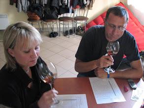 Photo: Ciężka praca komisji. Po tylu winach jeszcze trzeba trafić w te drobne rubryczki.
