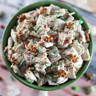 Christmas Sugar Cookie Chex Mix