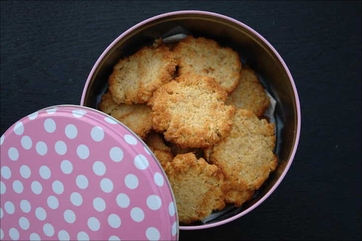 Coconut and Oat Cookies Recipe