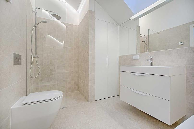 Jakie meble na wymiar do łazienki?