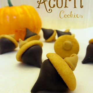 Cute Little Acorn Cookies for Fall