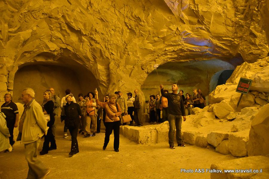 Экскурсия в пещере саркофагов. Национальный парк Бейт Шеарим. Гид в Израиле Светлана Фиалкова.