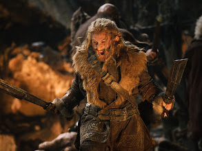 Photo: Fili with short swords in hand.