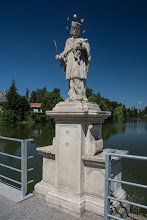 Photo: Nad Ulickým stawem stoi figura św. Jana Nepomucena.