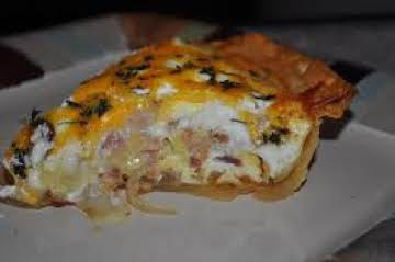 Easy Cream Cheese, Caramelized Onion and Bacon Quiche