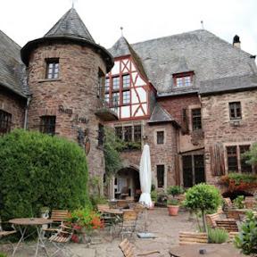 【世界のお城】ドイツ西部、モーゼル川沿いの山奥にひっそりと佇む中世の古城「アラス城」