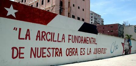 Photo: revolutionary slogan, havana. Tracey Eaton photo
