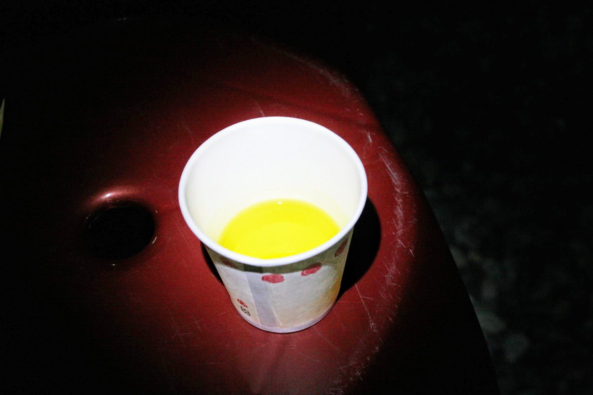 這..我忘記是什麼草熬煮出來的茶,可顧肝,但喝起來好苦好苦.....(當天回房間忘記寫下來,現在僅記得魚腥草顧肝,這個草反而忘記了)