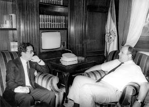 Photo: Eligio Hernández, delegado del Gobierno en Canarias, y, posteriormente, Fiscal General del Estado, concede una entrevista a Amado Moreno en la sede de la delegación gubernativa, en la Plaza de la Feria de Las Palmas de GC.