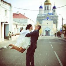 Wedding photographer Vladimir Savushkin (sowa8030). Photo of 21.01.2014