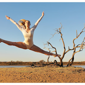 Reaching by Rob Vandongen - Sports & Fitness Other Sports