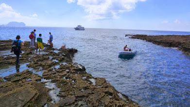 Photo: Zustieg per Boot zum Schiff das uns nach La Graciosa zurückbringen wird