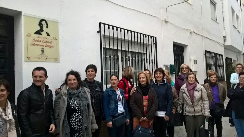 Denominación del centro cultural de Purchena con el nombre de Carmen de Burgos.