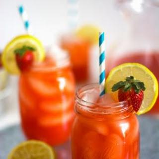 Skinny Sparkling Strawberry Lemonade.