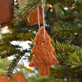 Gluten-Free Gingerbread Christmas Cookies.