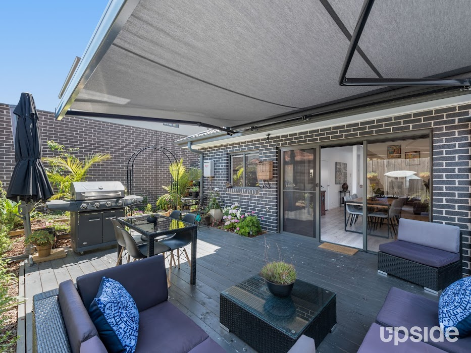 Main photo of property at 3/2 Cairns Street, Rosebud 3939