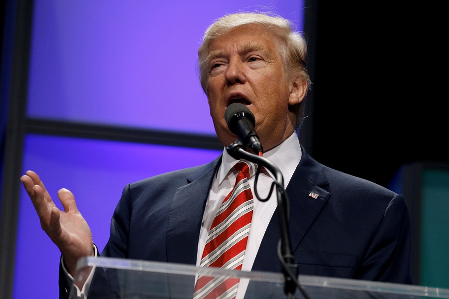 Trump verbreek wapenstilstand met 10% -tarief op $ 300 miljard in Chinese invoer