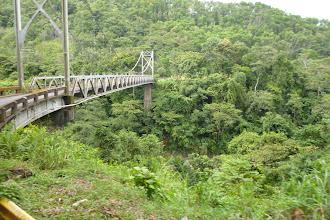 Photo: nichts für Leute mit Höhenangst auf Brücken (so wie ich) - gut das der Bus recht schnell drüben ist.