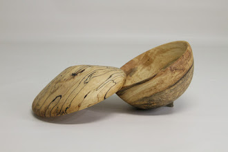 "Photo: Jeff Tate 5"" x 4"" acorn box [ambrosia, spalted maple]"