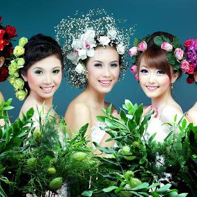 7 flowers by YanuArs Nuvio - People Portraits of Women ( glamour, make_up, beauty, women )