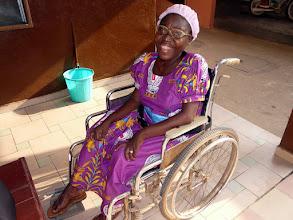 Photo: Hortense, myopathe, aidée depuis 20 ans  par le CTM