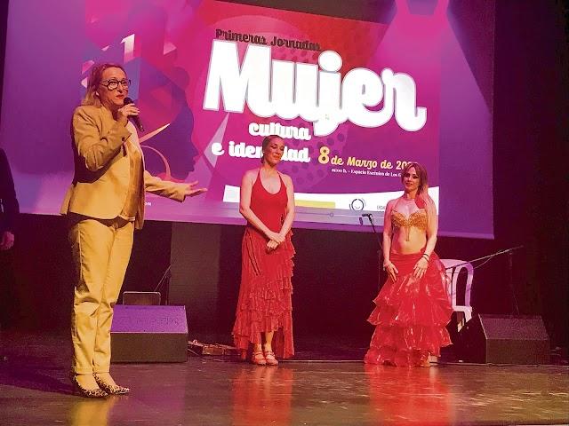 La bailaora Anabel Veloso, la bailarina Shirin y la concejal Esther González