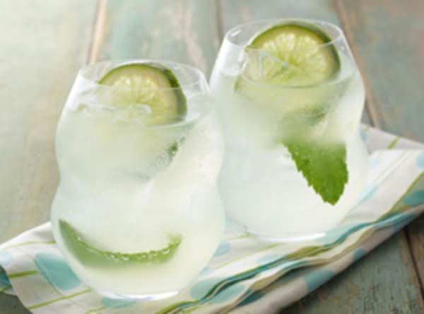 Lemony Lime Mojito Cocktail