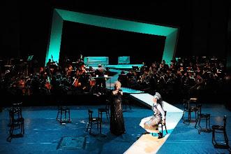 Photo: GÖTTERDÄMMERUNG in Cottbus am 30.3.2013. Zum Bericht von Dr. Klaus Billand. Sabine Paßow, Marlene Lichtenberg.  1. Aufzug. Foto: Marlies Kross/Theater Cottbus