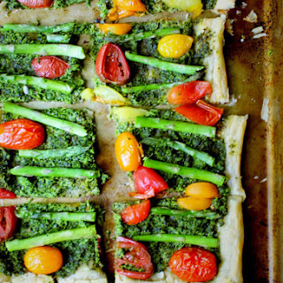 Vegan Puff Pastry Pizza with Kale Pesto and Asparagus.