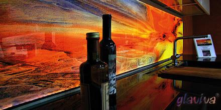 """Photo: GLAVIVA • Digitaldruck auf Glas • www.glaviva.de  Küchenrückwand """"The Wave"""" mit LED- Beleuchtung an den Glaskanten •Individuelles Glaviva-Glasdesign(© Wolfgang Dehmel) als Glasbedruckung im Großformat"""