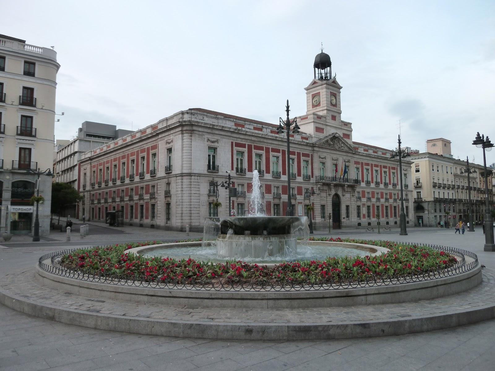 Puerta_del_Sol_(Madrid)_17.jpg