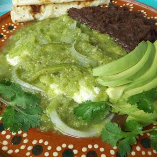 Queso con Chile en Salsa Verde.