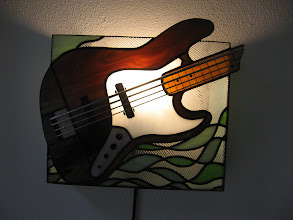 Photo: basgitaar lamp - door Joost