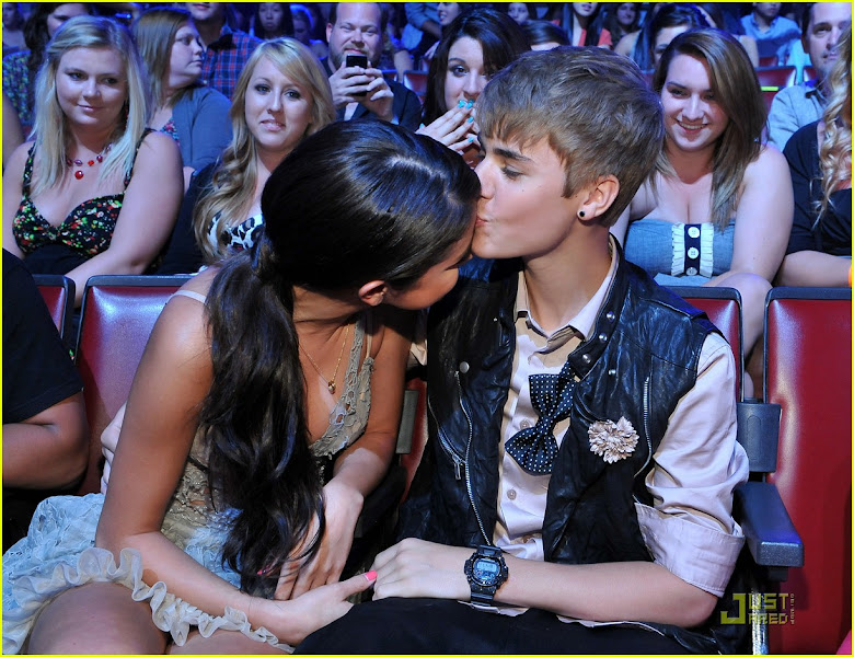 Photo: UNIVERSAL CITY, CA - AUGUST 7: (L-R) Selena Gomez and Justin Bieber in the audience during Teen Choice 2011 at the Gibson Amphitheatre on August 7, 2011 in Universal City, California. (Photo by Mark Davis/PictureGroup)