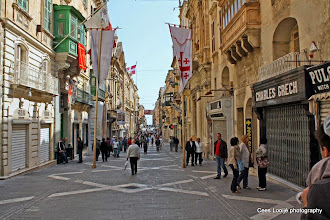 Photo: 2011-04-24. Malta. Valletta. Republic Street.  www.loki-travels.eu