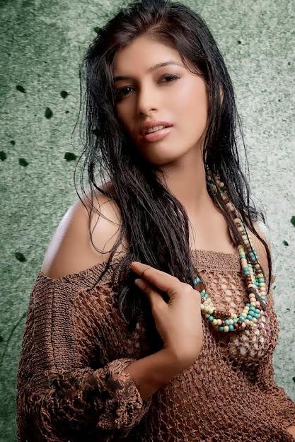 model Divya Bhandari hot pics