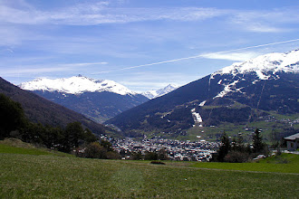 Photo: Panorama primaverile su Bormio da Li Mota di Oga