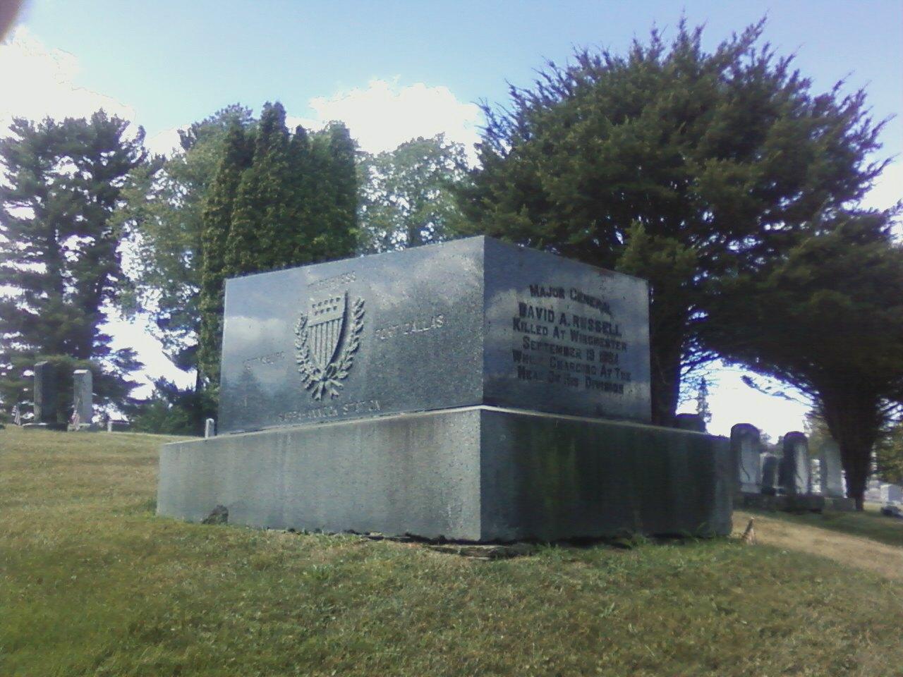 Russell grave.jpg