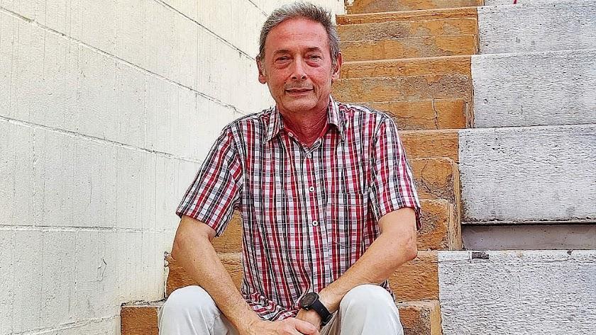 Alfonso Bosch, retratado en el anfiteatro de la Rambla. Foto: M. Latorre.