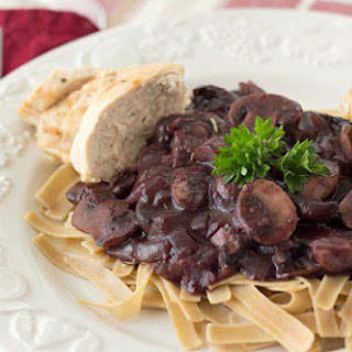 Low Carb Recipe for Chicken & Mushroom Bourguignon.