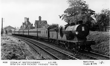 Photo: Hop Pickers Friends Train 1952