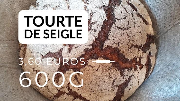 Ingrédients : farine de seigle intégral fraichement moulue sur place issue de seigle en provenance d'agriculture bio,  du  levain naturel de seigle, sel de Guérande, eau.