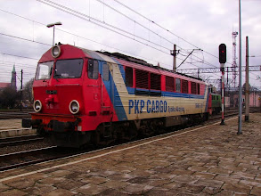 Photo: Legnica: SU46-011 podjeżdża do składu pociągu EC240 relacji Kraków-Hamburg