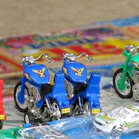 Waiting for Childrens by Suaib Akhter - Artistic Objects Toys ( bike, bangladesh, toy, children, street toy )