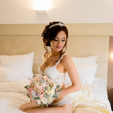 Wedding photographer Alena Ishina (colnce). Photo of 15.09.2017