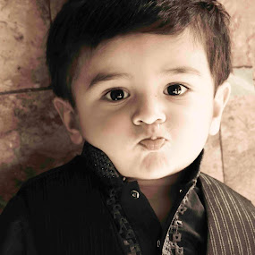 FUN MOOD by Arslan Mughal - Babies & Children Child Portraits ( Emotion, portrait, human, people )