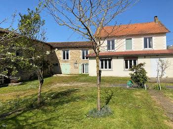 maison à Lizant (86)